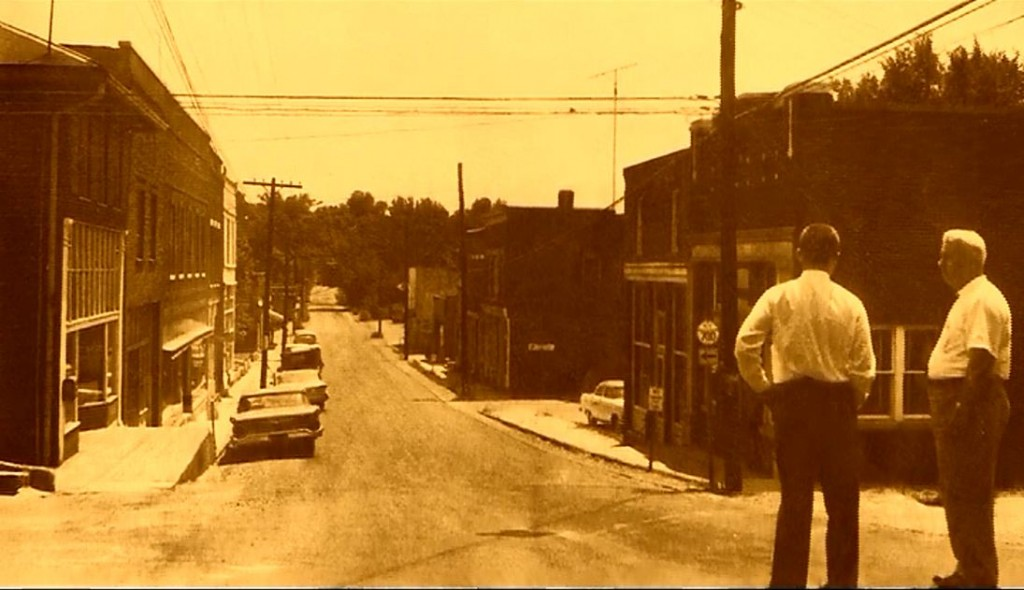 Two towns long gone - Old Eddyville Street