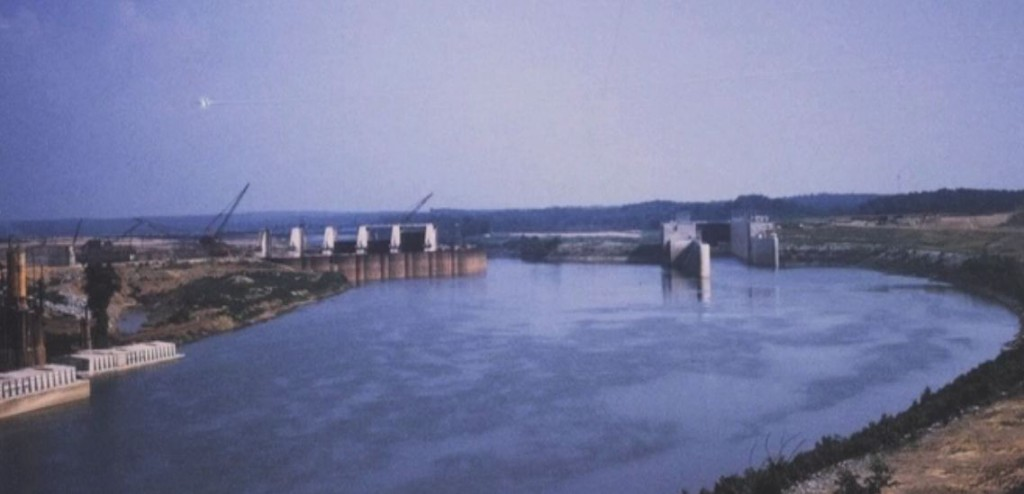 Very Old Photos Eddyville Kuttawa Kentucky - Barkley Dam under construction