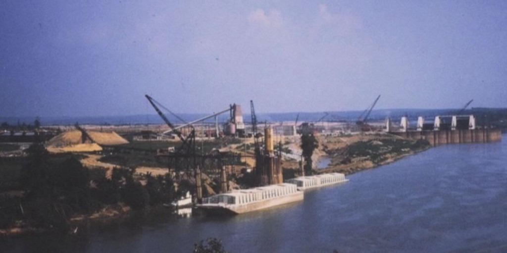 Very Old Photos Eddyville Kuttawa Kentucky Barkley Dam under construction 1958