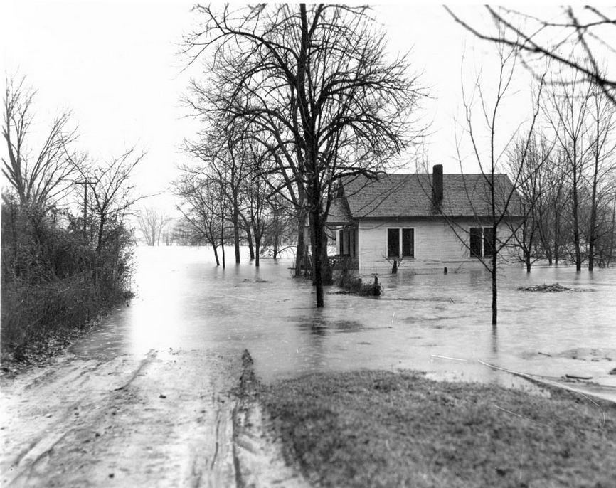 flooded Kuttawa near Cumberland River