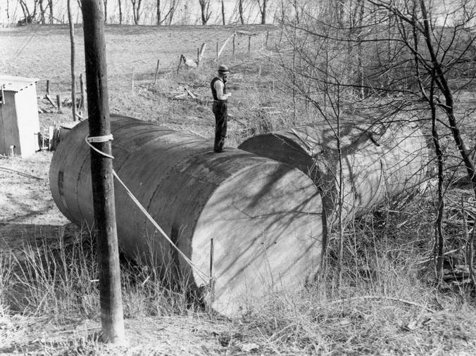gas tanks swept away by 1937 flood - Lyon County Kentucky