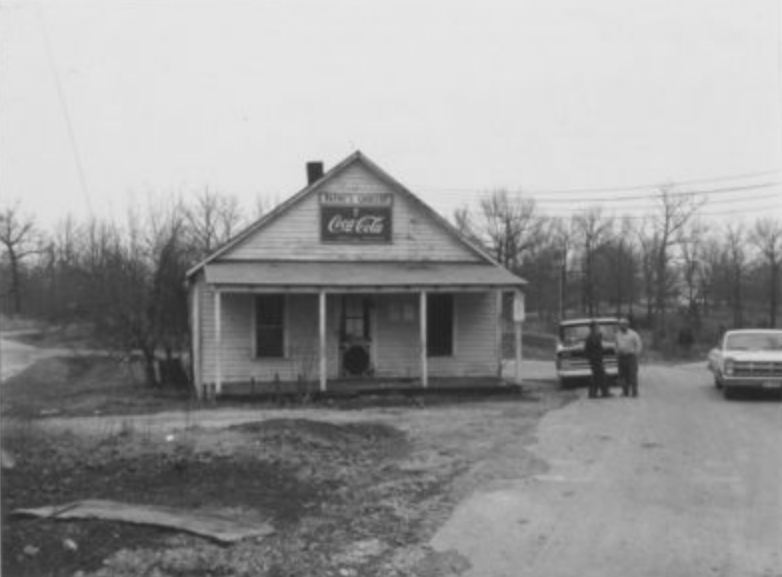 Paynes Grocery between the rivers